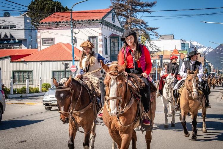 Ushuaia celebró el Día de la Tradición - Ushuaia 24