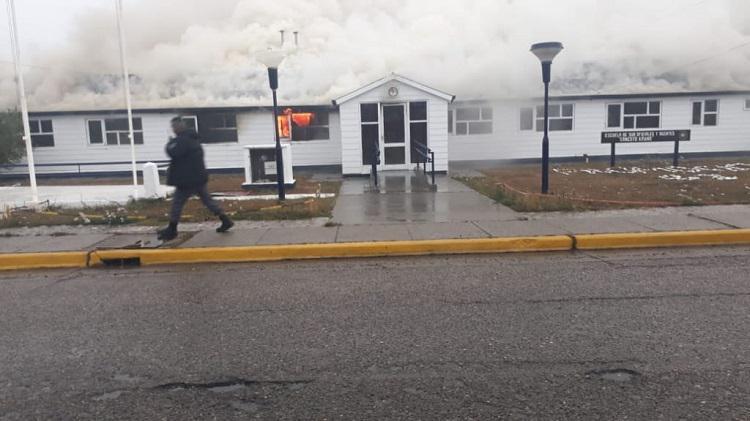 Incendio escuela policia rio grande1