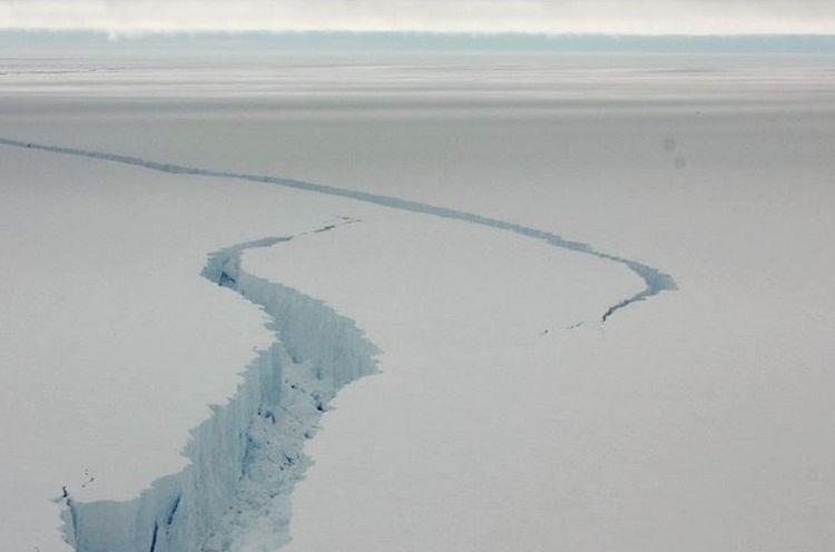 Así luce la gigantesca grieta antártica que preocupa al mundo
