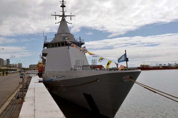 Pesqueros chinos depredan nuestro mar y nueva patrulla oceánica que costó millones de euros no se mueve del Puerto